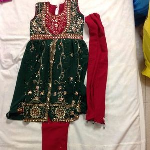 Indian 3 piece outfit for girls
